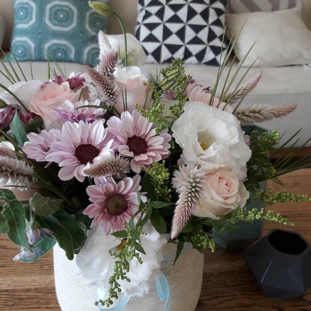 סידור פרחים אביבי
