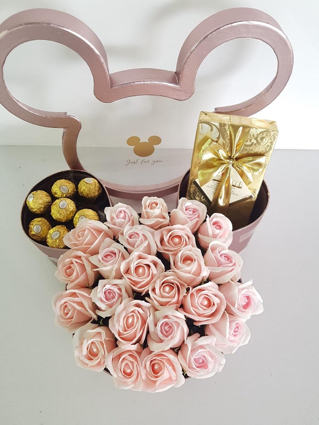 מארז מיקימאוס פרחים