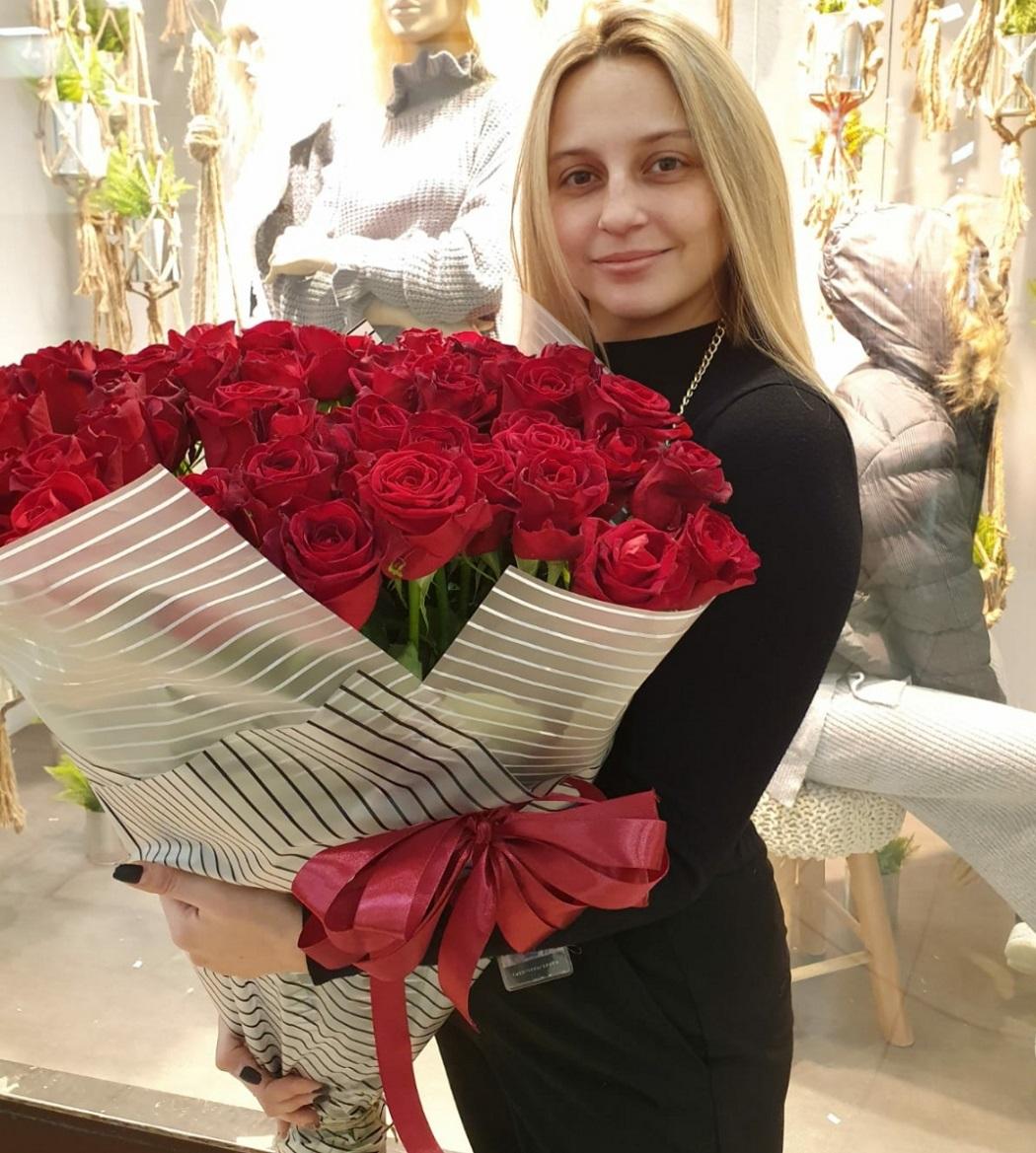ורדים בגובה מטר